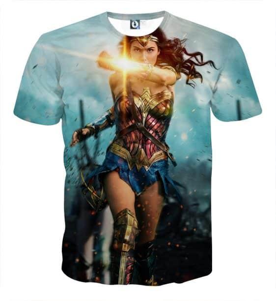 Wonder Woman Running Powerful Golden Bracelet Amazing T-shirt