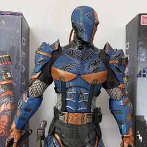 DC Supervillain Deathstroke Unique Static Toy Figure